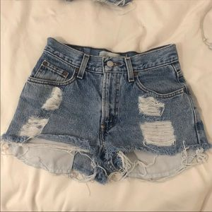 Highwaisted Levi Denim Shorts